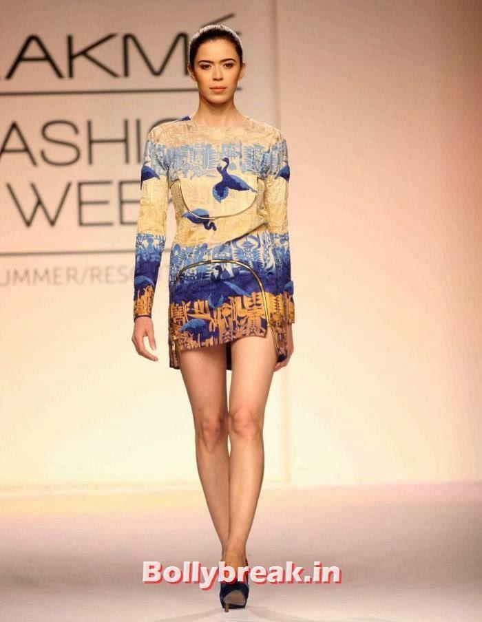 Sucheta Sharma, Indian SuperModels Ramp Walk at Gen Next Show at Lakme Fashion Week 2014