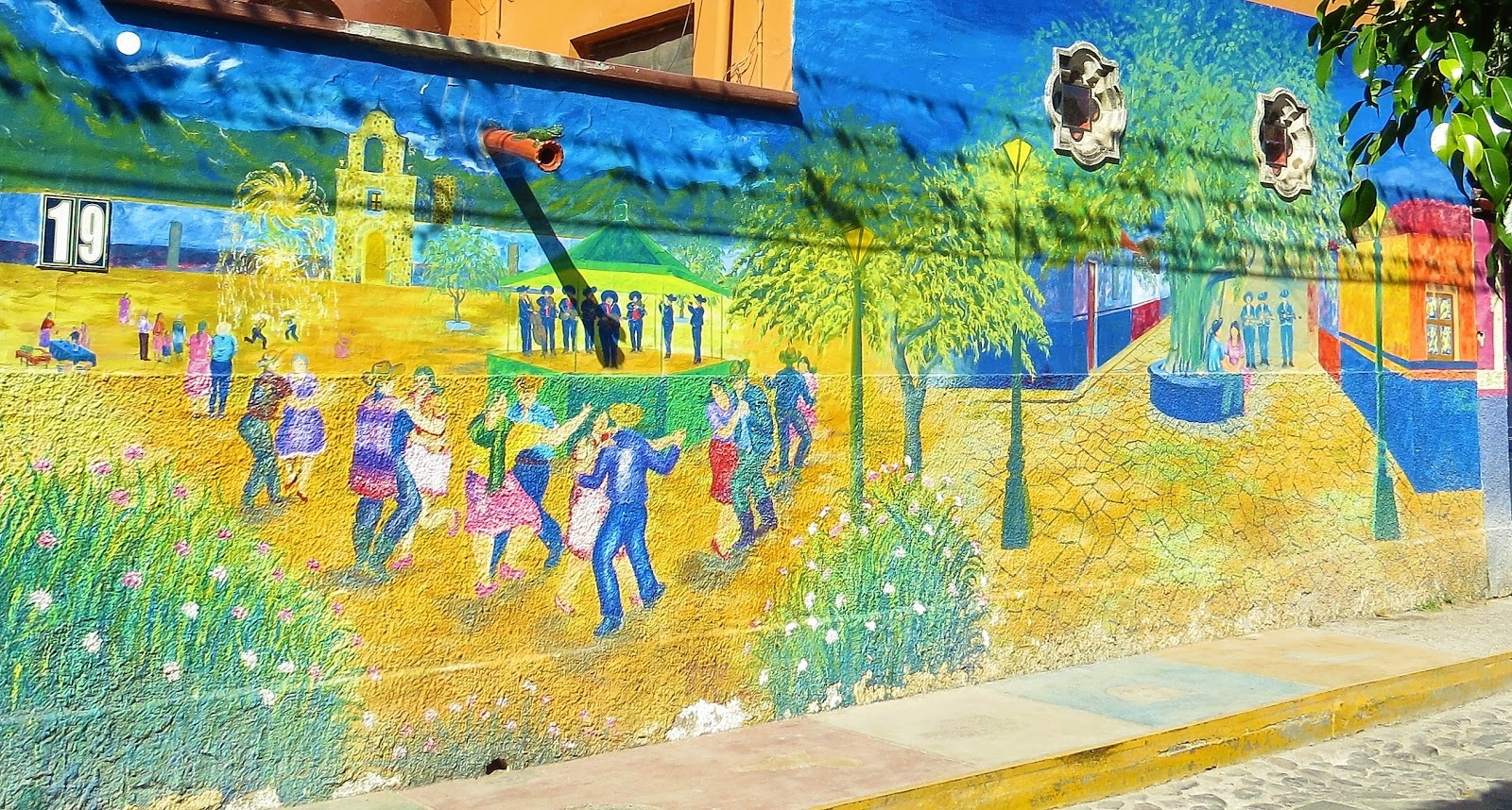 Tourist First: Mexico: Ajijic, Expat Haven on Lake Chapala