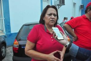 Veículo da senadora Fátima Bezerra é tomado de assalto