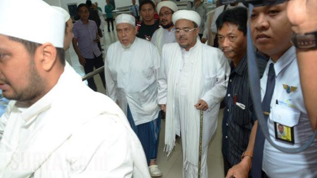Walau Ditolak Takmir Masjid Sunan Ampel, Habib Rizieq Tetap Hadir