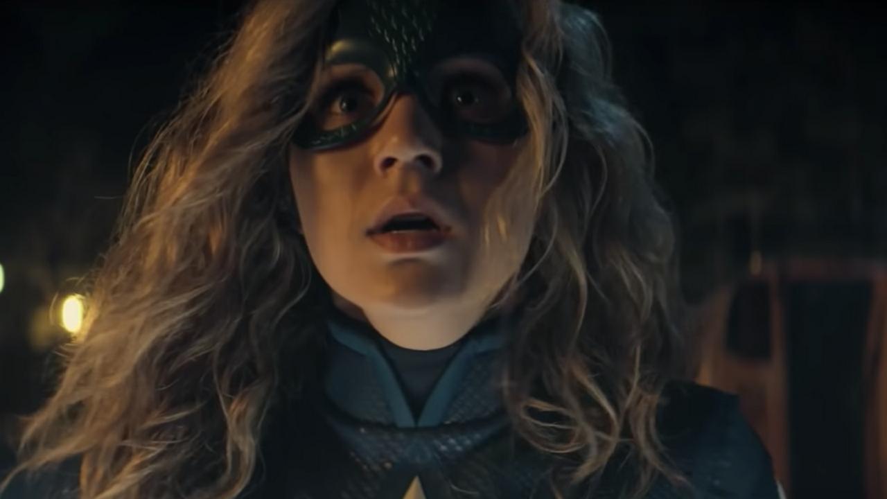 Stargirl: Heroína enfrenta Sportsmaster em novo teaser
