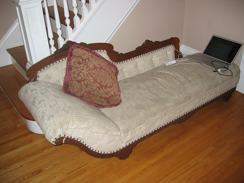 Unique Fainting Couches Design To Redecorating Your Home