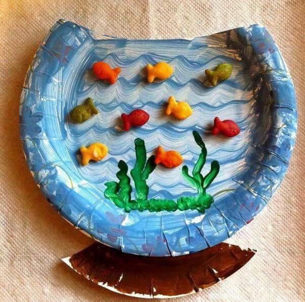 Idea to make something from paperplate for kids : aquarium