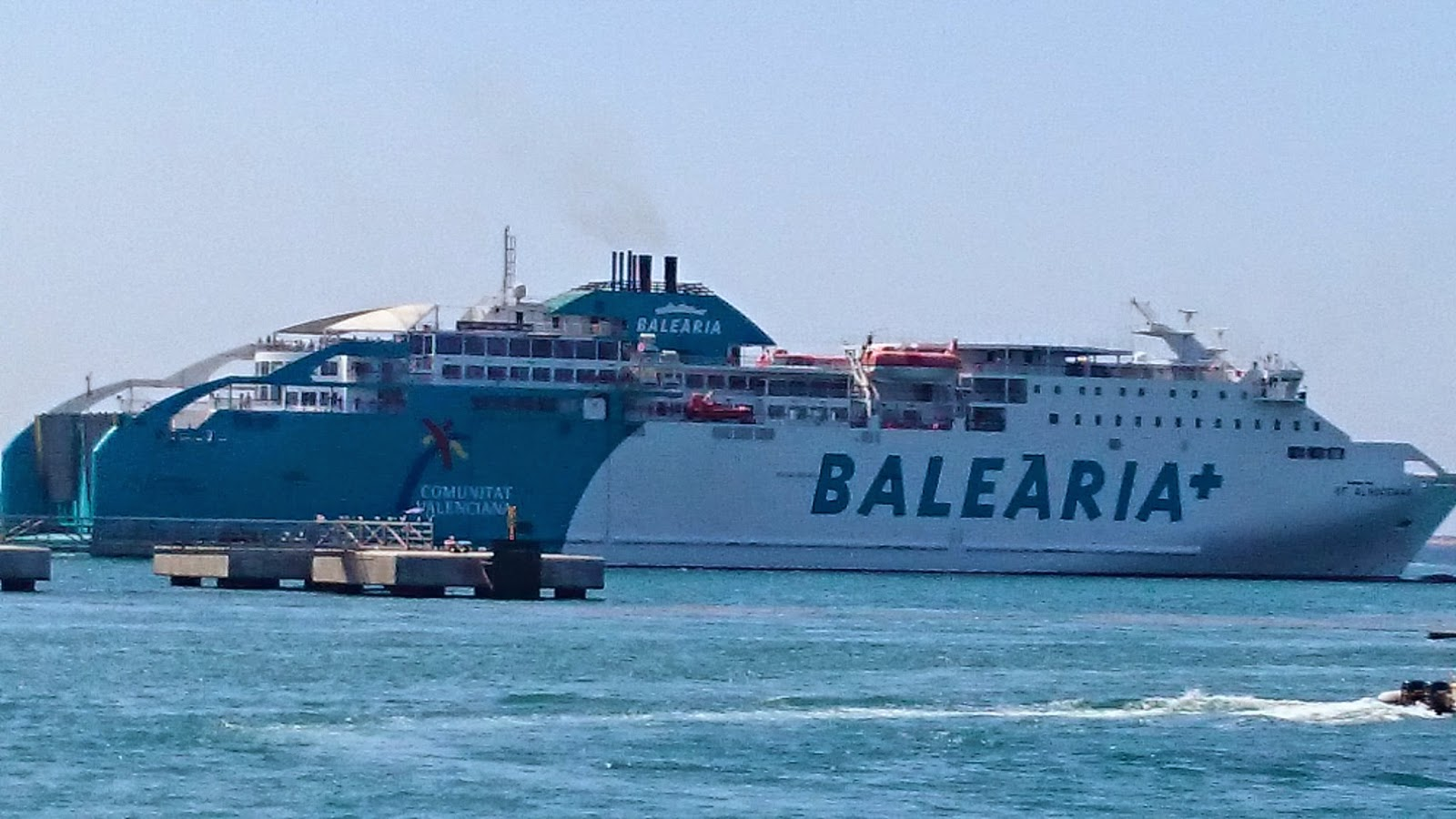 Ferrybalear la naviera bale ria se queda por el momento for Oficina balearia ibiza