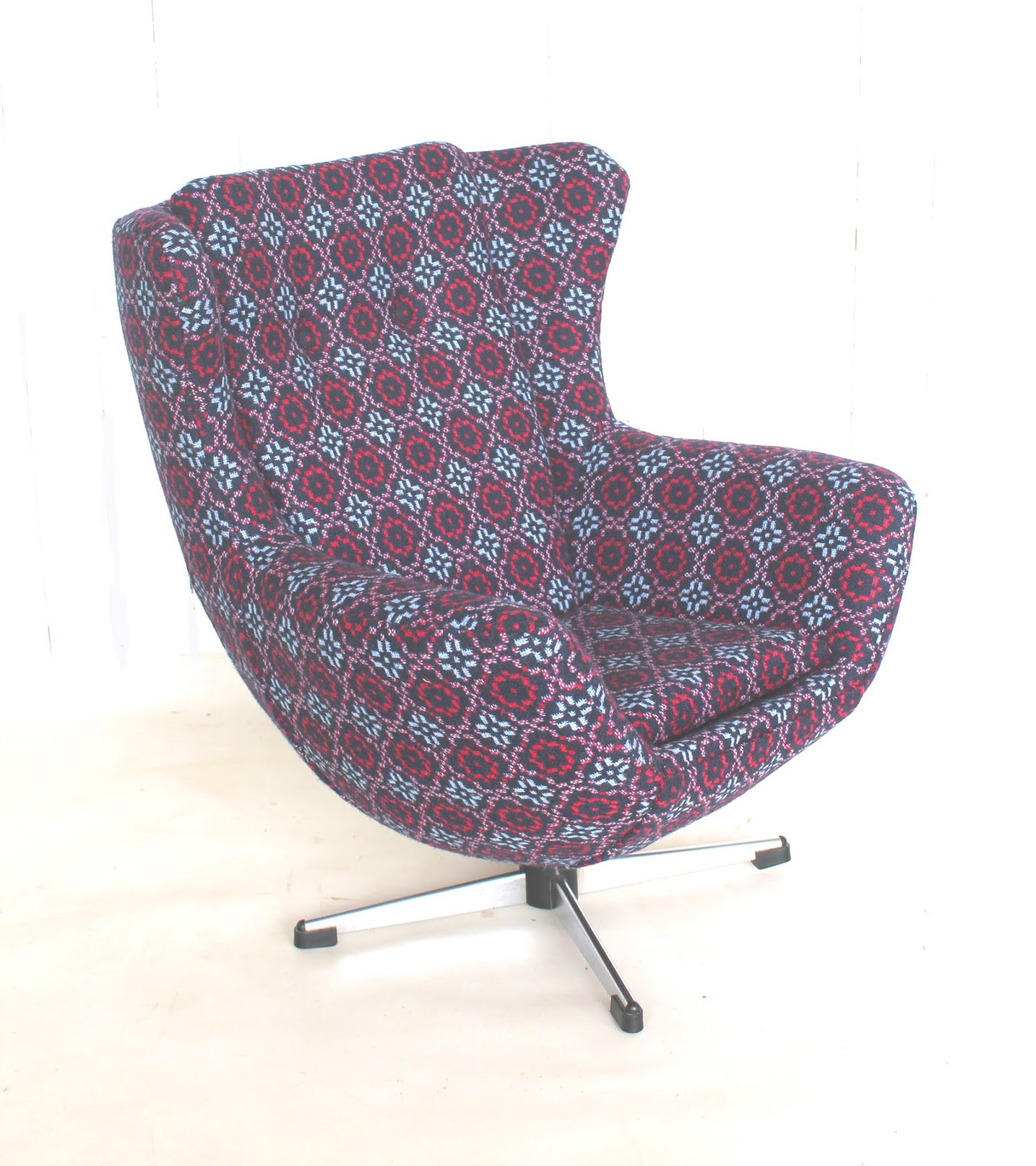Reupholster Egg Chair Mick Sheridan Upholstery Child S Egg Style Chair In Melin