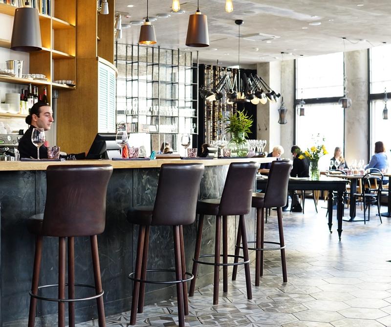 Ravintola helsinki, baaritiski