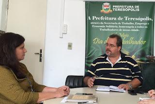 Marcus Vinicius (Marcão), Secretário Municipal de Trabalho e Emprego, e Cristina Andriolo, Gerente do Sebrae, definem parceria focada na formalização de microempreendedores locais