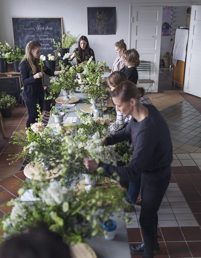 creative flower workshop photo by Kreetta Järvenpää www.gretchengetchen.com