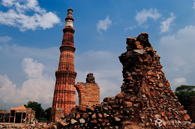 Qutab Minar, Delhi  IMAGES, GIF, ANIMATED GIF, WALLPAPER, STICKER FOR WHATSAPP & FACEBOOK