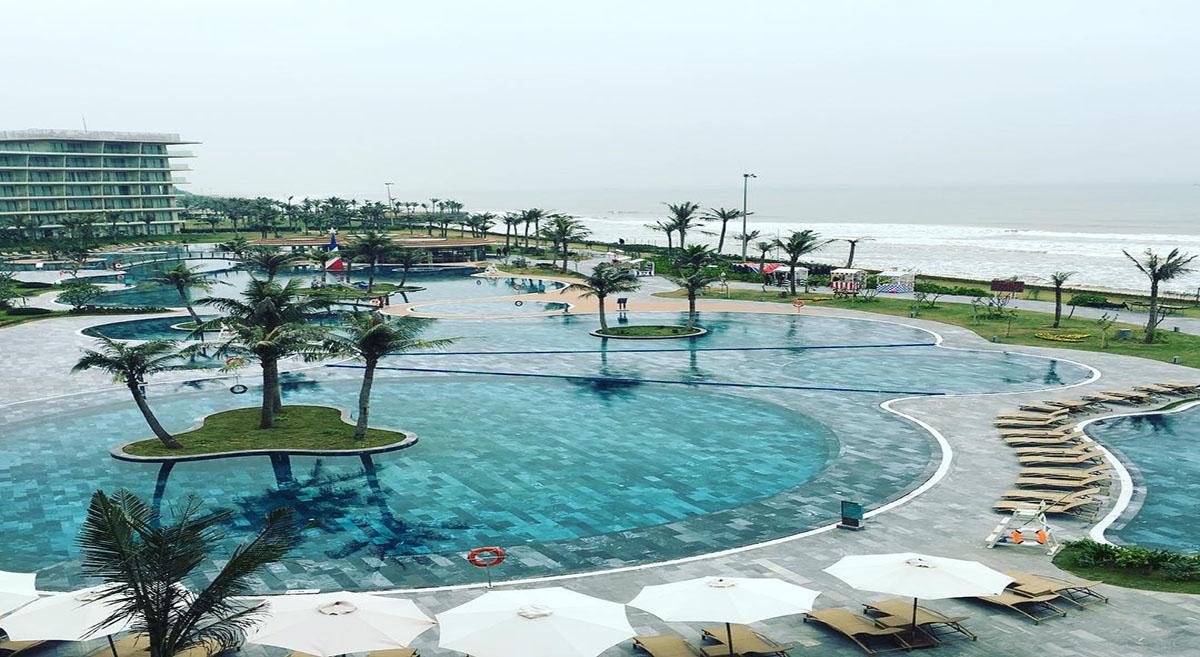 Bể bơi ngoài trời tại FLC Đồ Sơn Hải Phòng