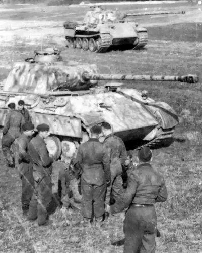 Tiger II Wiking Sandomierz Debica Poland worldwartwo.filminspector.com