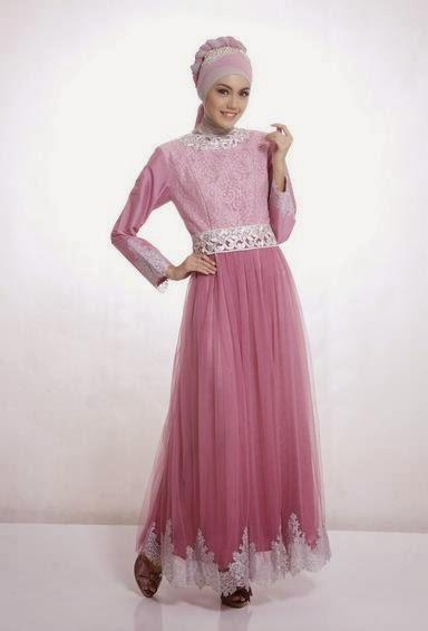 Contoh model baju muslim untuk pesta warna pink elegan