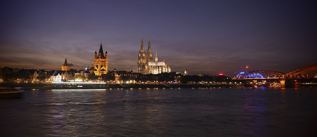 Köln, Rhein, Nacht, Altstadt, Kölner Dom, Hohenzollernbrücke, Heimatstadt, Texter, Robert Welz