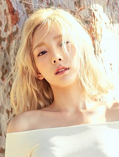 Top 15 Kpop Female Singers' Albums with the Biggest First