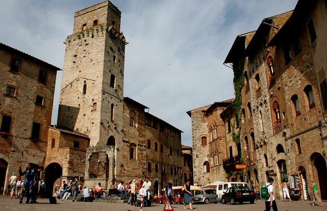 Passeio pelo centro histórico de San Gimignano