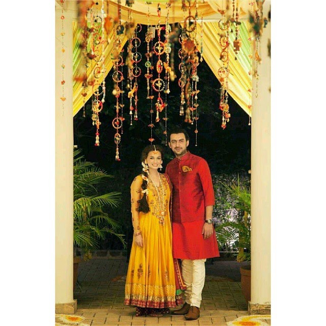 for all those who dont know, dia mirza married her long time boyfriend, sahil sangha. 