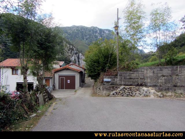 Ruta al Cabezo Llerosos desde La Molina: Saliendo de la Molina