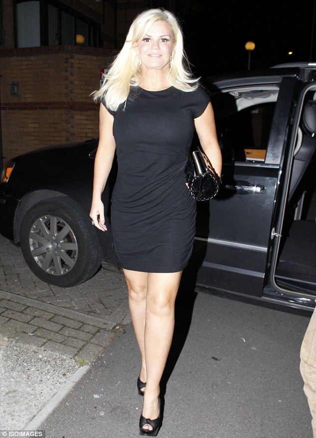 That S Much Better Kerry Katona Shows Off Her New Sleek