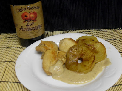 Cazuela de pollo a la sidra y manzana