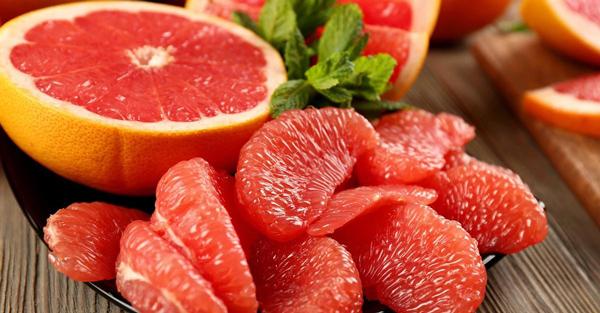 http://www.soloparagorditas.com/2014/10/5-frutas-para-eliminar-las-llantitas.html