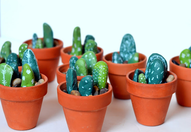 sharpie paint marker, succulents, cacti, desert, tex mex, easy craft, terra cotta pot