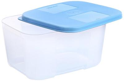 Simpan kamera DSLR pada box kedap udara untuk menghindari jamur dan tumpahan air yang tidak disengaja
