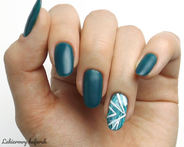 Dream Nails Warszawa, pomysl na zielone paznokcie, morska zielen na paznokciach, Zdobienie hybrydami Dream Nails Warszawa