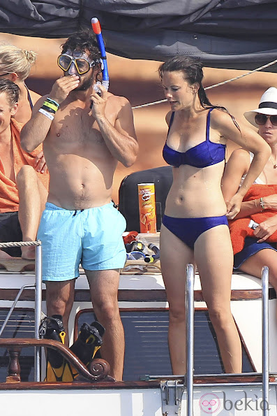 Sofia Hellqvist continue their holiday in Ibiza with friends