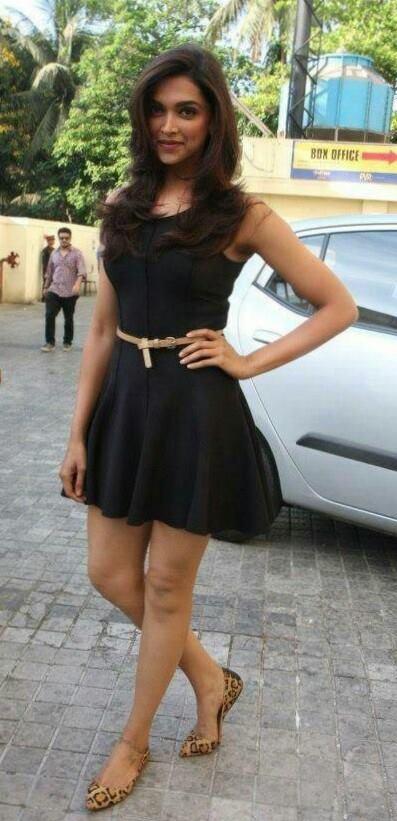 Deepika Padukone in #SL for best friend's wedding