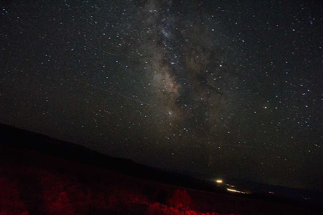 Hey, in a dark sky you actually can see the Milky Way (Source: Palmia Observatory, 18mm, 60 sec)