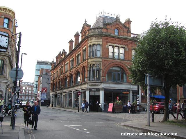 Дома из красного кирпича в Манчестере