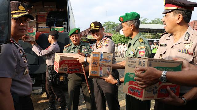 Polres Kebumen dan Kodim 0709 Kebumen Bantu Korban Gempa Lombok