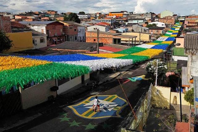 Resultado de imagem para ruas pintada de verde amarelo