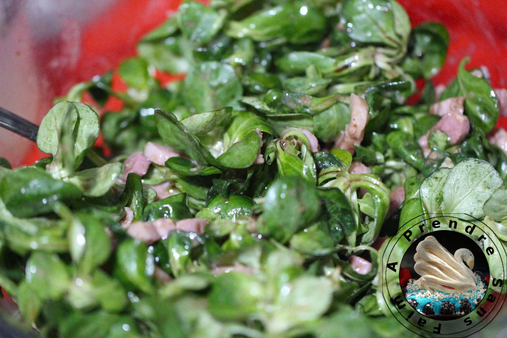 Salade de mâche aux lardons