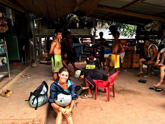 alquilar moto laos
