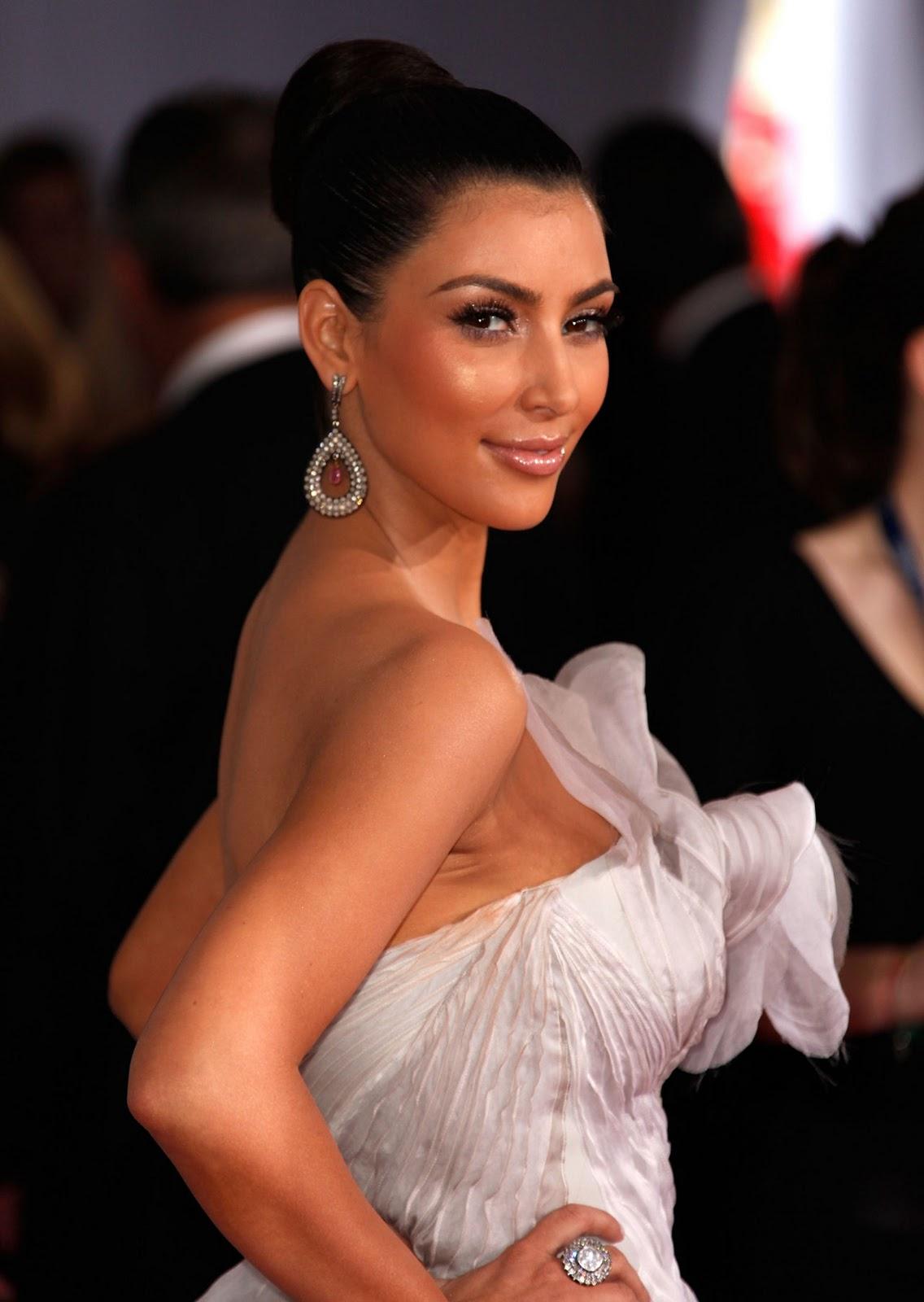 Kim Kardashian Opens Up About Her Tape  Mix Magazine-5275