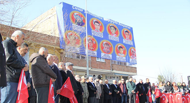 Diyarbakır Çınar'daki bombalı saldırıda hayatını kaybedenler anıldı