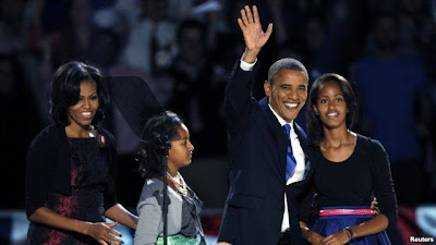 Barack Obama makan Ubi Cilembu