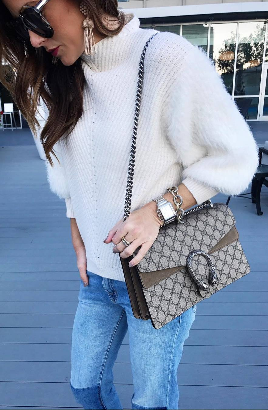 cozy winter outfit_white sweater + bag + skinnies