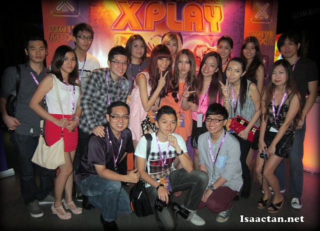 Bloggers and friends, all VXP for the night at XPLAY 2012
