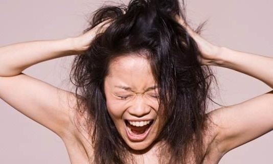 Sering Tak Disadari, Ini 5 Kebiasaan Penyebab Rambut Rusak