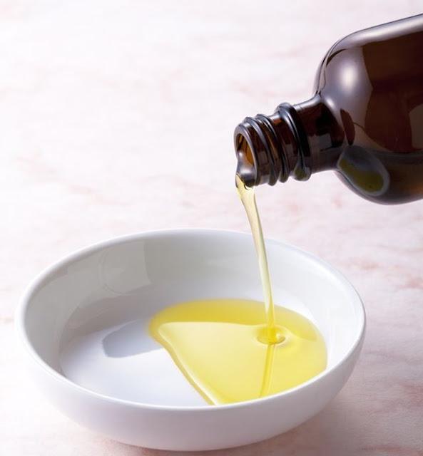 Cách trị mụn trứng cá hiệu quả từ dầu jojoba