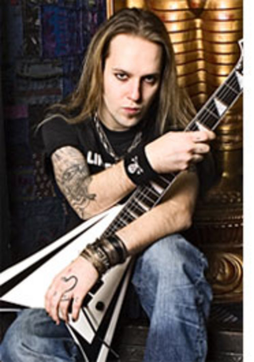 Alexi Laiho (Children Of Bodom) sigue en el hospital.