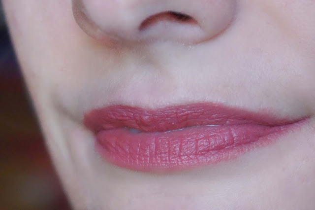 Lipstick Kiko Velvet Mat Strawberry Pink Swatch