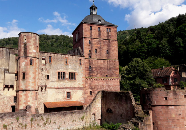 Travel guide Heidelberg, Germany: Heidelberg Castle | Happy in Red