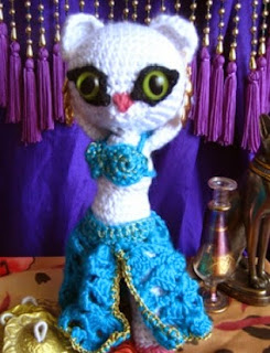 http://es.scribd.com/doc/48752599/Layla-Belly-Dancer