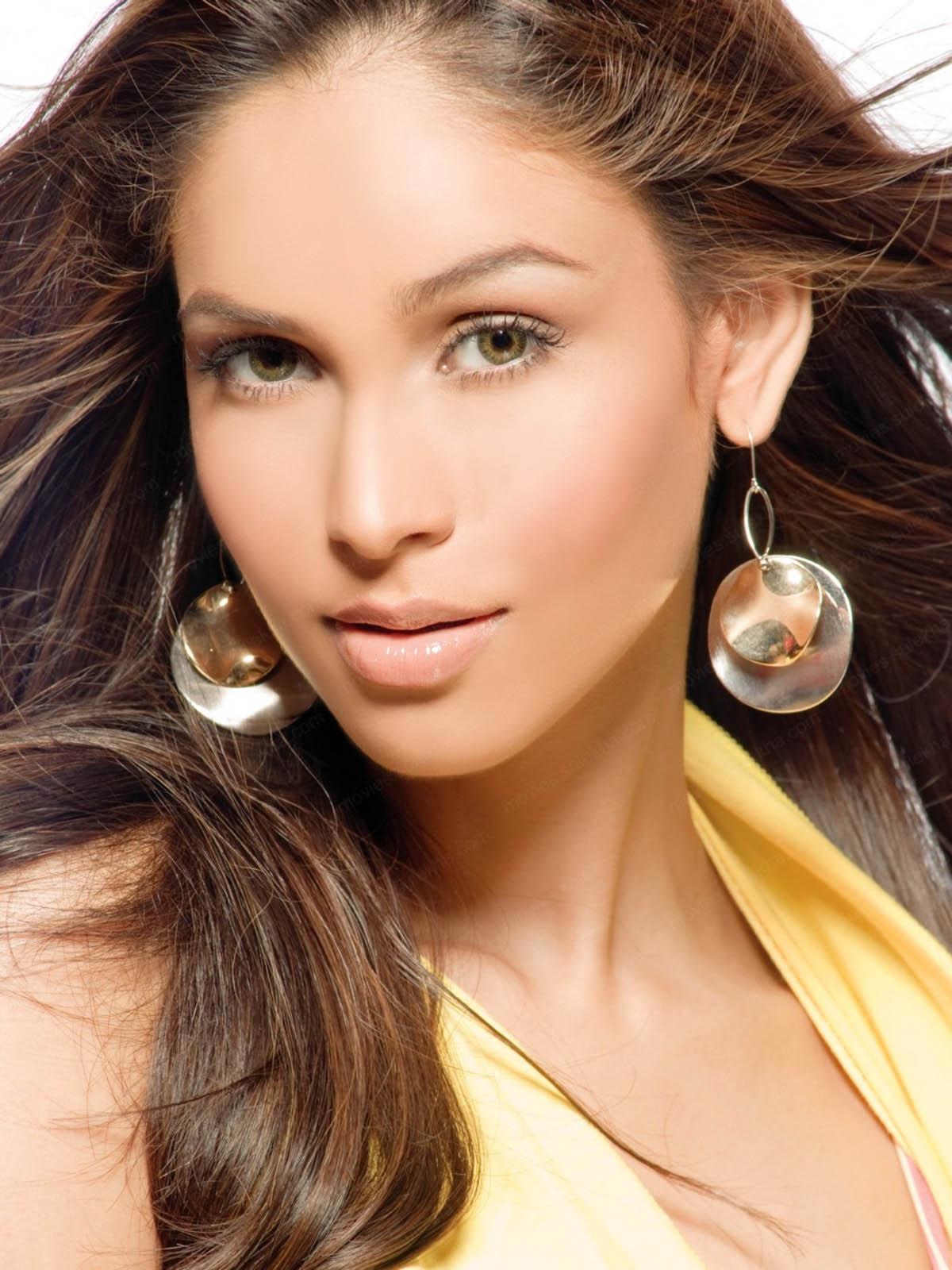Amruta Patki Beautyful Images