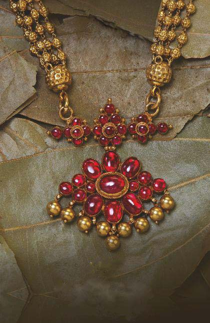 Women S World Antique Finishing Uncut Ruby Necklace