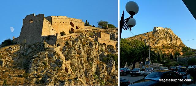A Fortaleza de Palamidi vista do Centro Histórico de Nafplio
