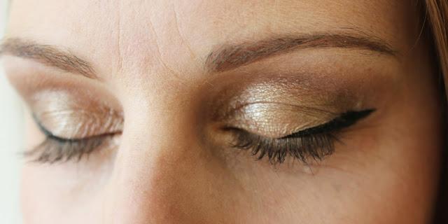Younique Moodstruck Addiction Eye Palette | Tea And Beauty